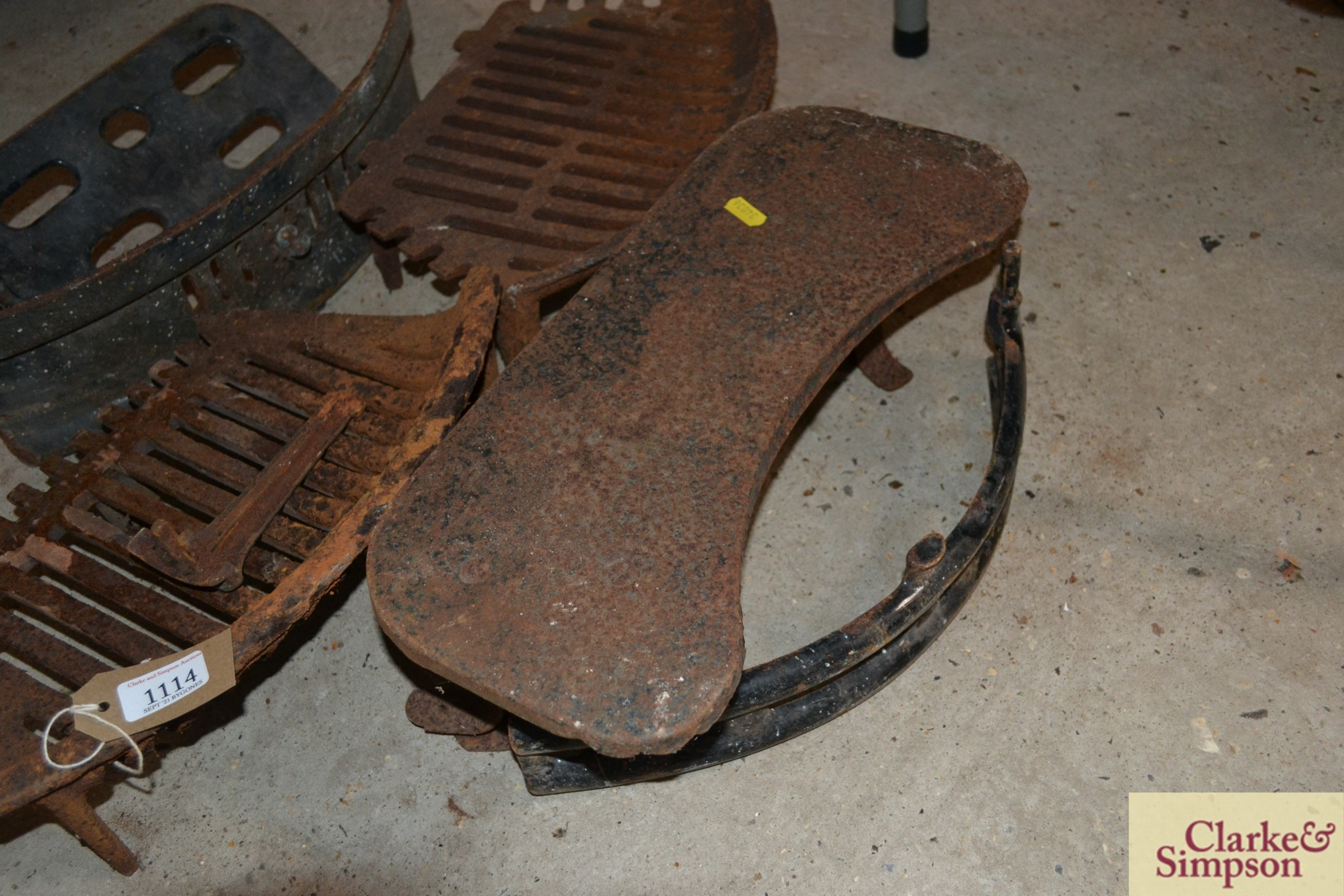 Various cast iron fireplace items - Image 4 of 4