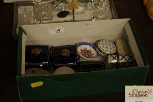 A papier-mâché snuff box, various porcelain boxes