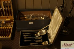 A cased fruit serving set and box of miscellaneous