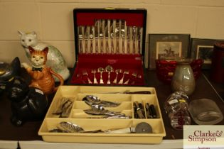 A plated canteen of cutlery, various other plated