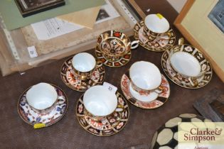 A quantity of Crown Derby Imari and other pattern
