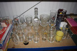 A quantity of various glassware