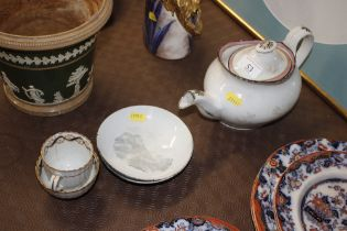Early 19th Century Newhall porcelain tea bowl and