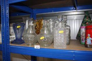 A quantity of various glassware to include amber g