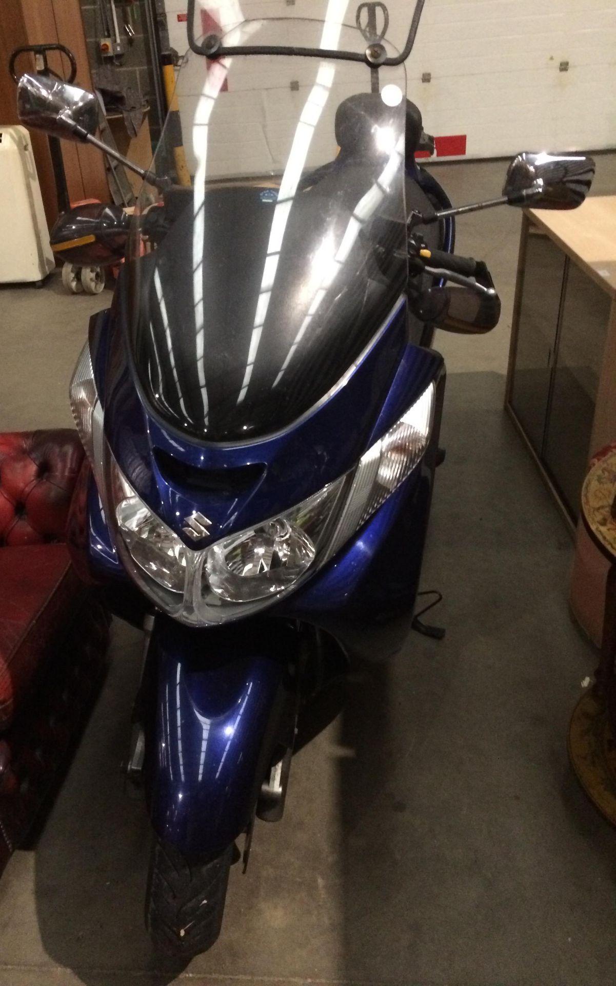 ON BEHALF OF THE INSOLVENCY SERVICE - SUZUKI BERGMAN 400 AN 400KG MOTORCYCLE - petrol - blue Reg - Image 5 of 10
