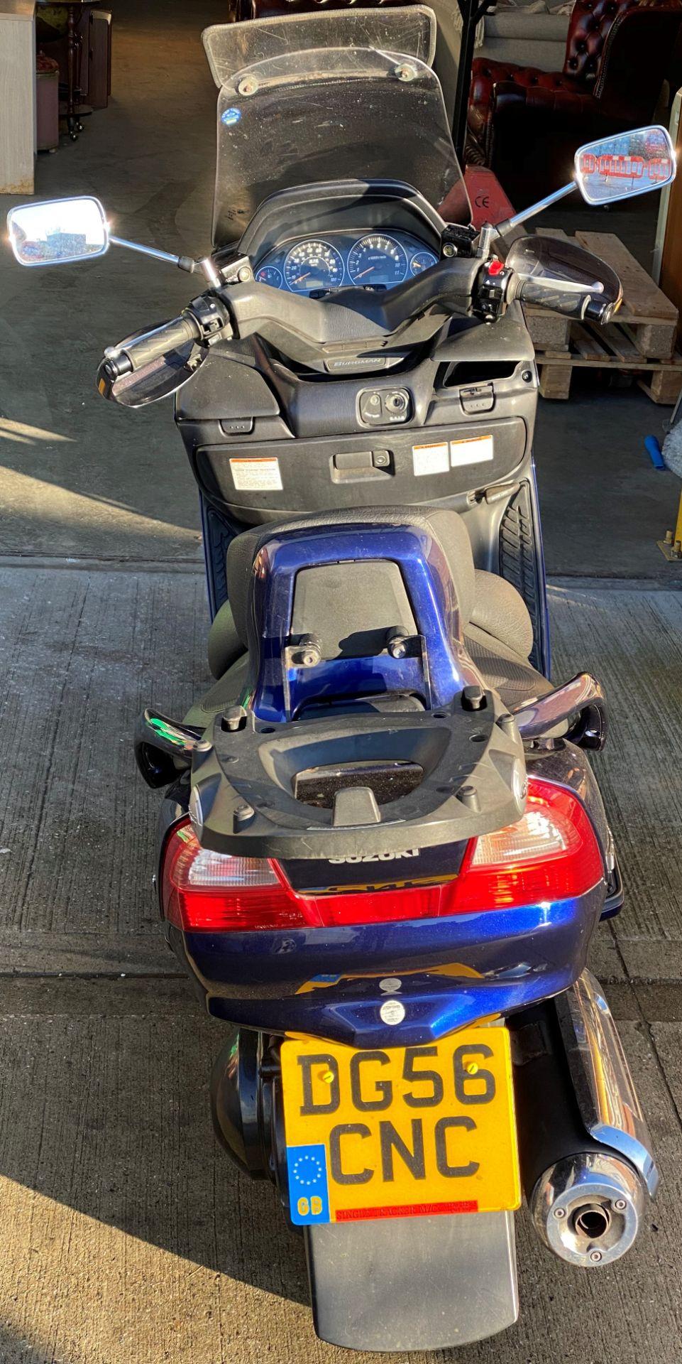 ON BEHALF OF THE INSOLVENCY SERVICE - SUZUKI BERGMAN 400 AN 400KG MOTORCYCLE - petrol - blue Reg - Image 2 of 10