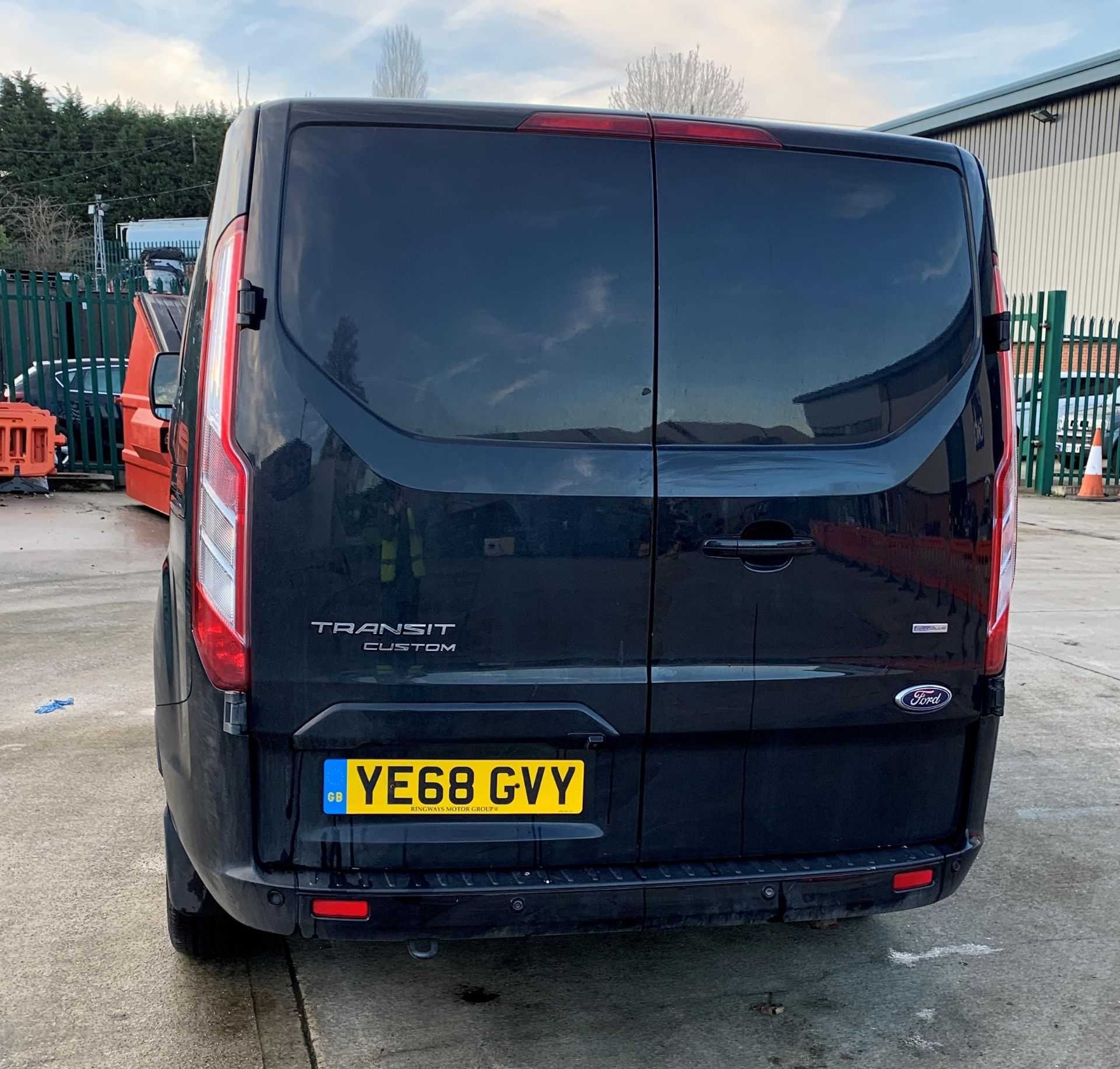 ON INSTRUCTIONS RE: A LIQUIDATION - FORD TRANSIT CUSTOM 300 LIMITED 2. - Image 4 of 16