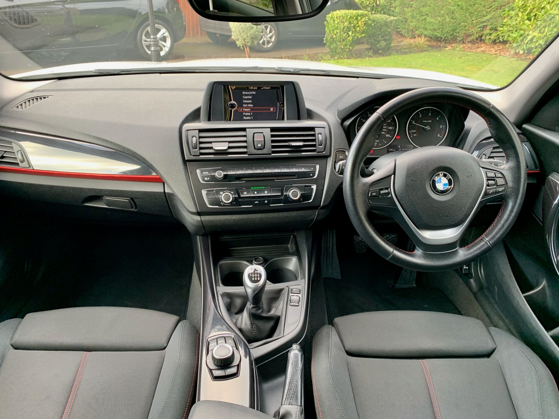 BMW 116D SPORT 2.0 (1995cc) 5 door hatchback - diesel - white Reg. No: YF12 YRZ Rec. - Image 5 of 19