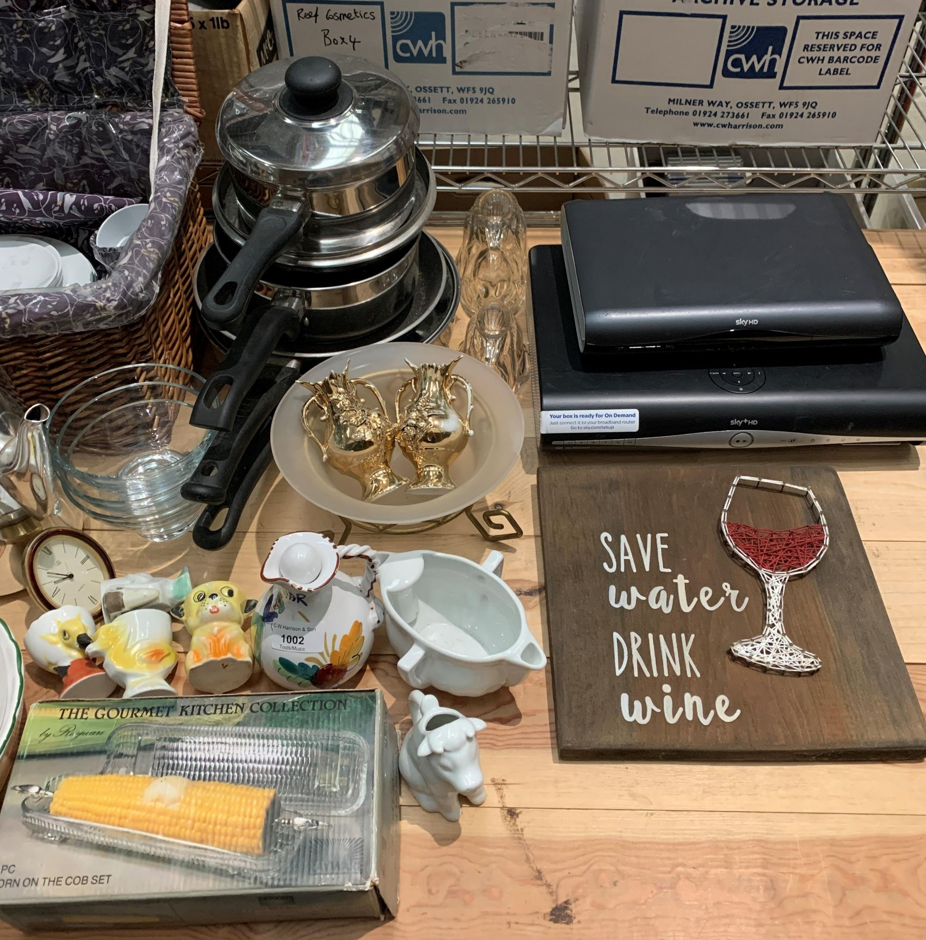 Contents to part table top - wicker picnic basket and part contents - pans, ceramic hen, - Image 3 of 3