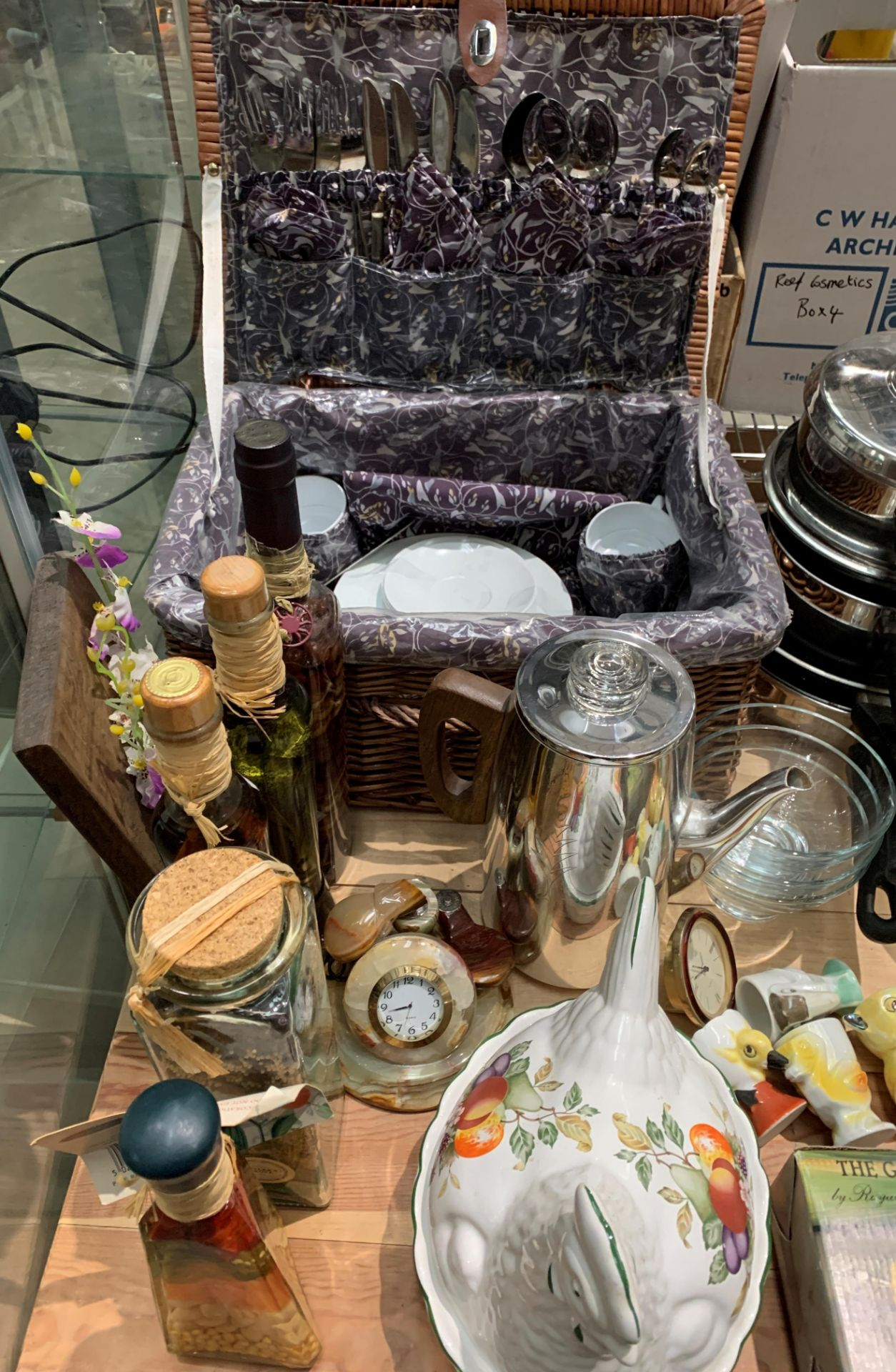 Contents to part table top - wicker picnic basket and part contents - pans, ceramic hen, - Image 2 of 3