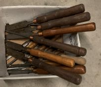 Contents to box - sixteen large wood handled chisels