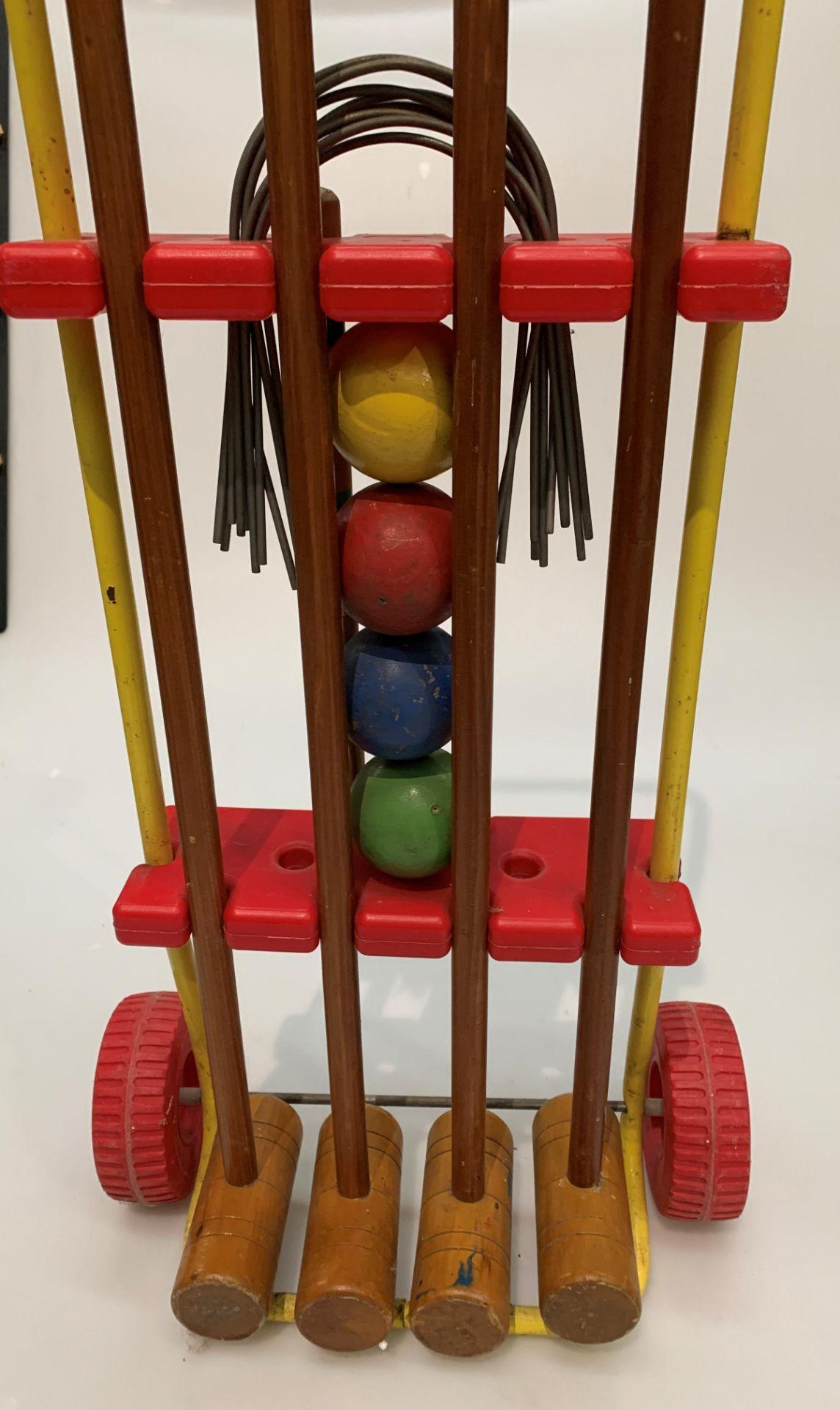 A child's portable croquet set - Image 2 of 2