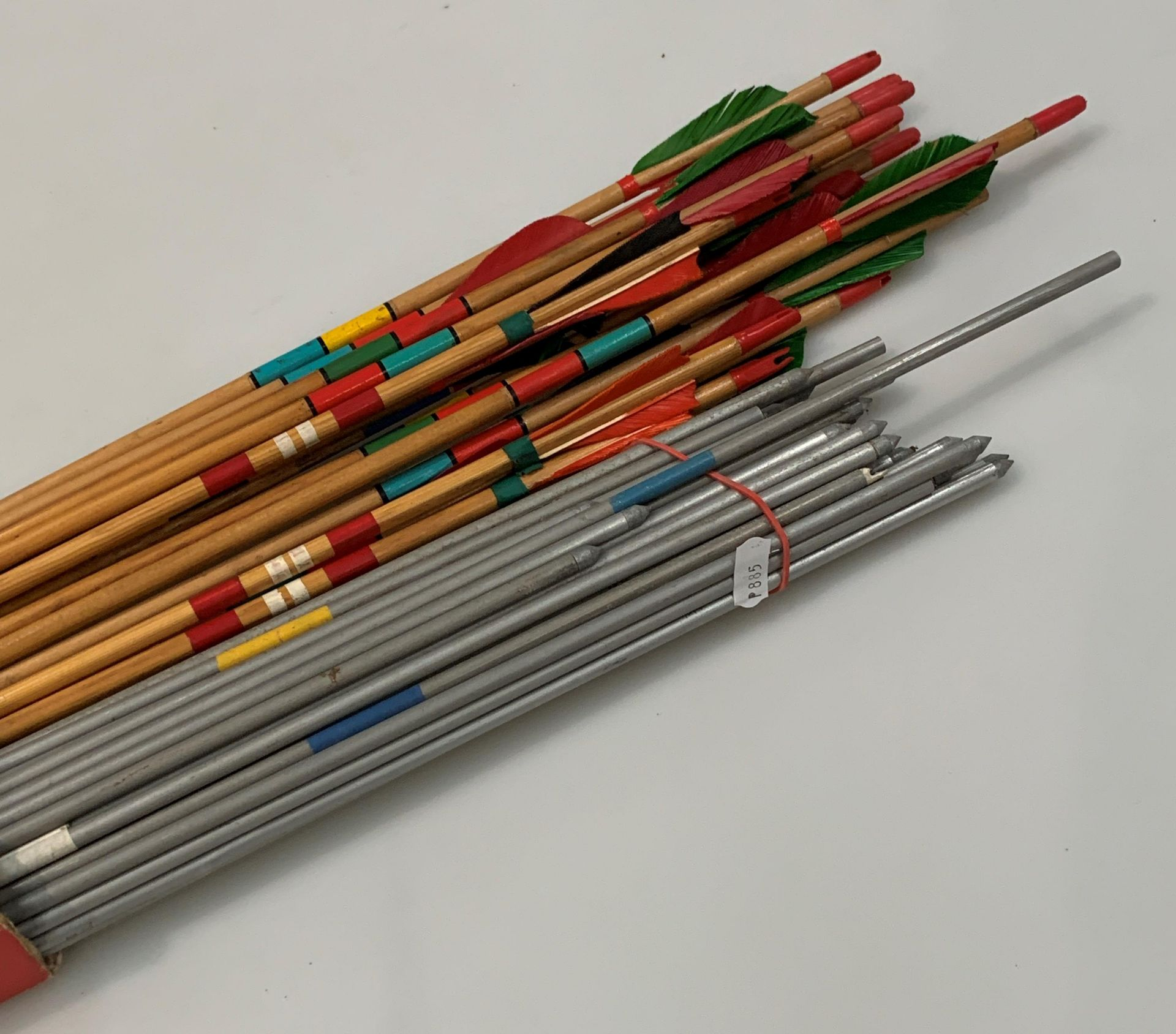 Contents to box - a quantity of Nodor and other Archery arrows and four various bows in a bag - Image 2 of 6