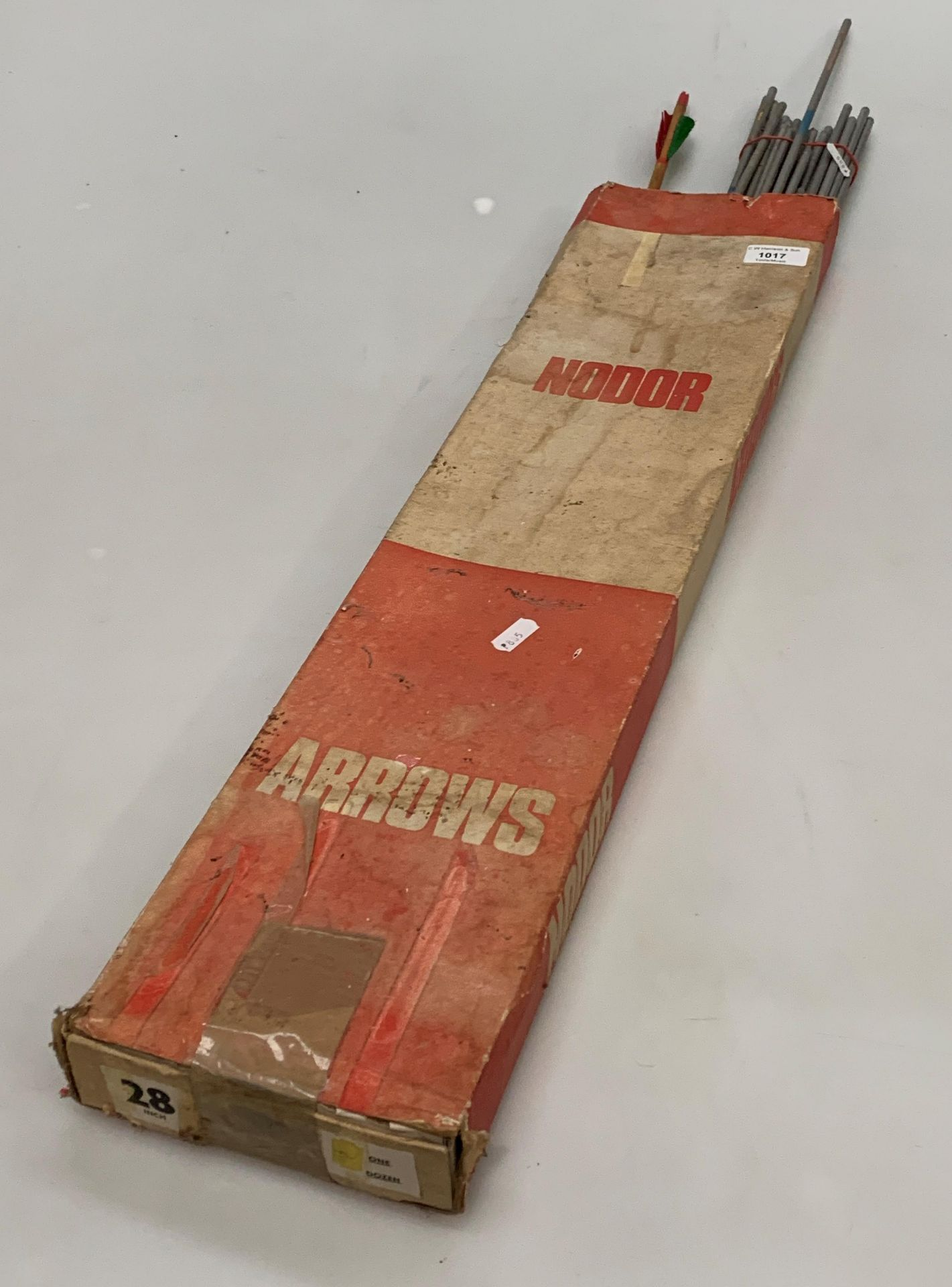 Contents to box - a quantity of Nodor and other Archery arrows and four various bows in a bag - Image 3 of 6