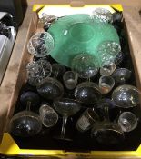 Contents to tray - six Babycham glasses and other glassware