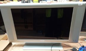 """A Philips flat T296XW01 29"""" TV - no remote control - marked faulty spares/repairs only"""