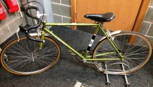 A Carlton Corsa 5 speed gentleman's racing bicycle with drop handle bars in green