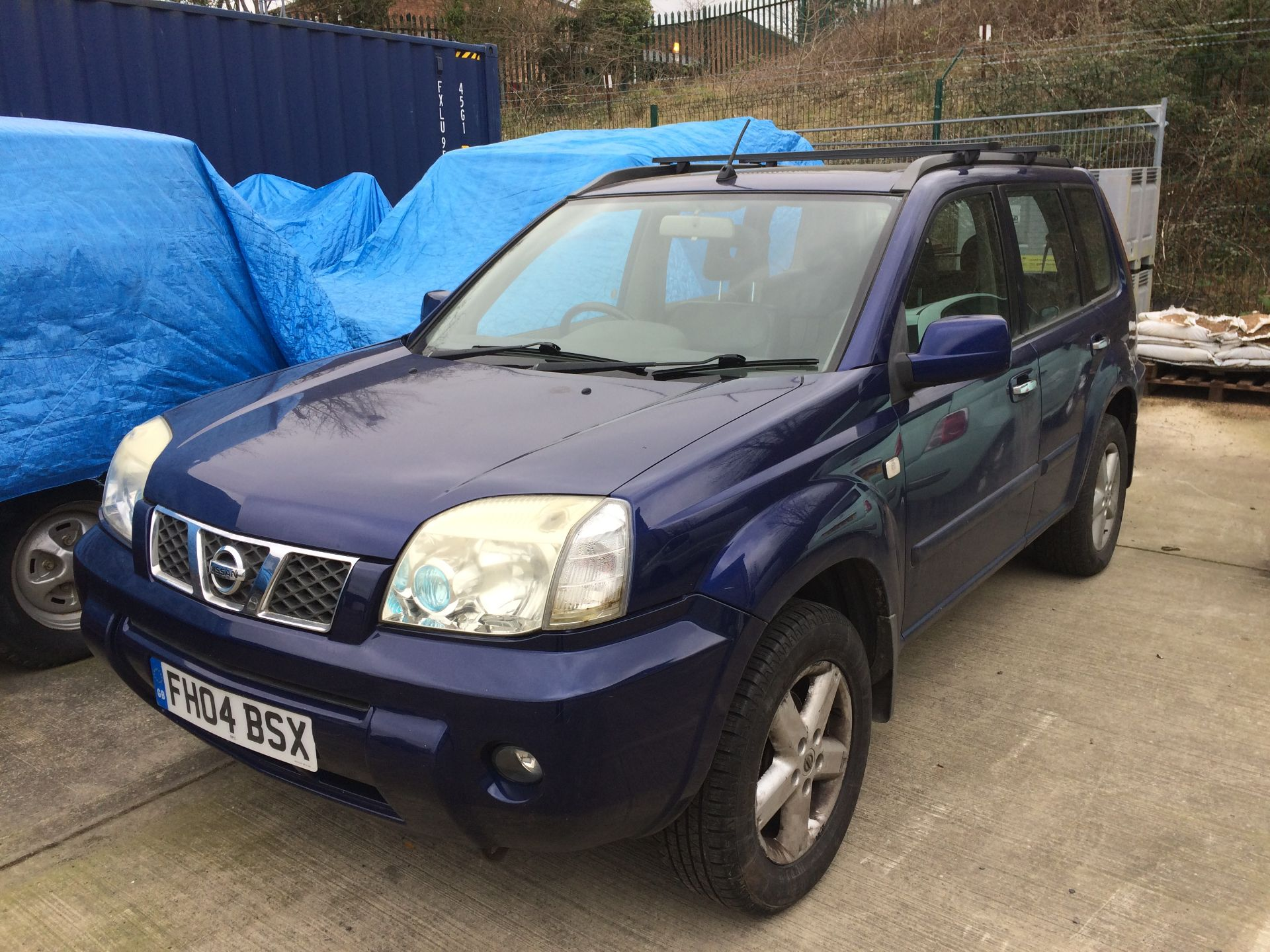 NISSAN X-TRAIL ESTATE 2.5 AUTOMATIC 5 DOOR ESTATE - Petrol - Blue - Black leather interior. - Image 2 of 5