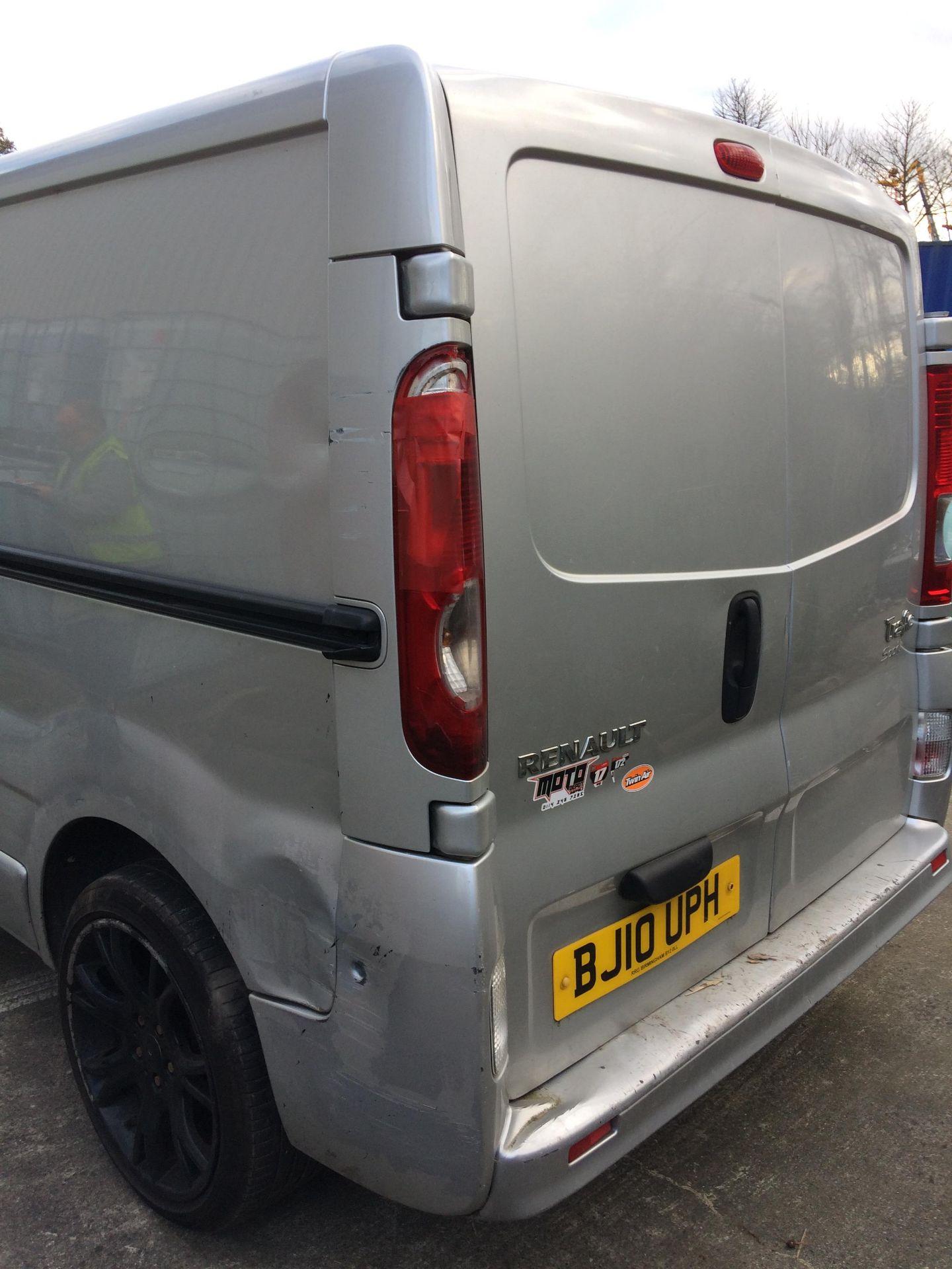 RENAULT TRAFIC LL29 SPORT DCI 115 PANEL VAN - Diesel - Silver - 5 door. - Image 11 of 14