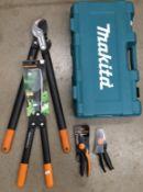 Five assorted items Fiskar L77, Fisher P92,