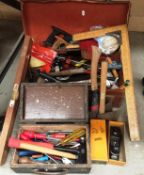 Contents to small wooden tool box and suitcase - quantity of assorted hand tools Stanley 220 plane