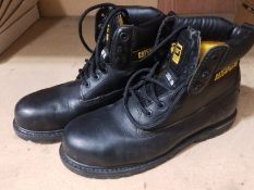 A pair of Caterpillar steel toe work boots size 9 in black