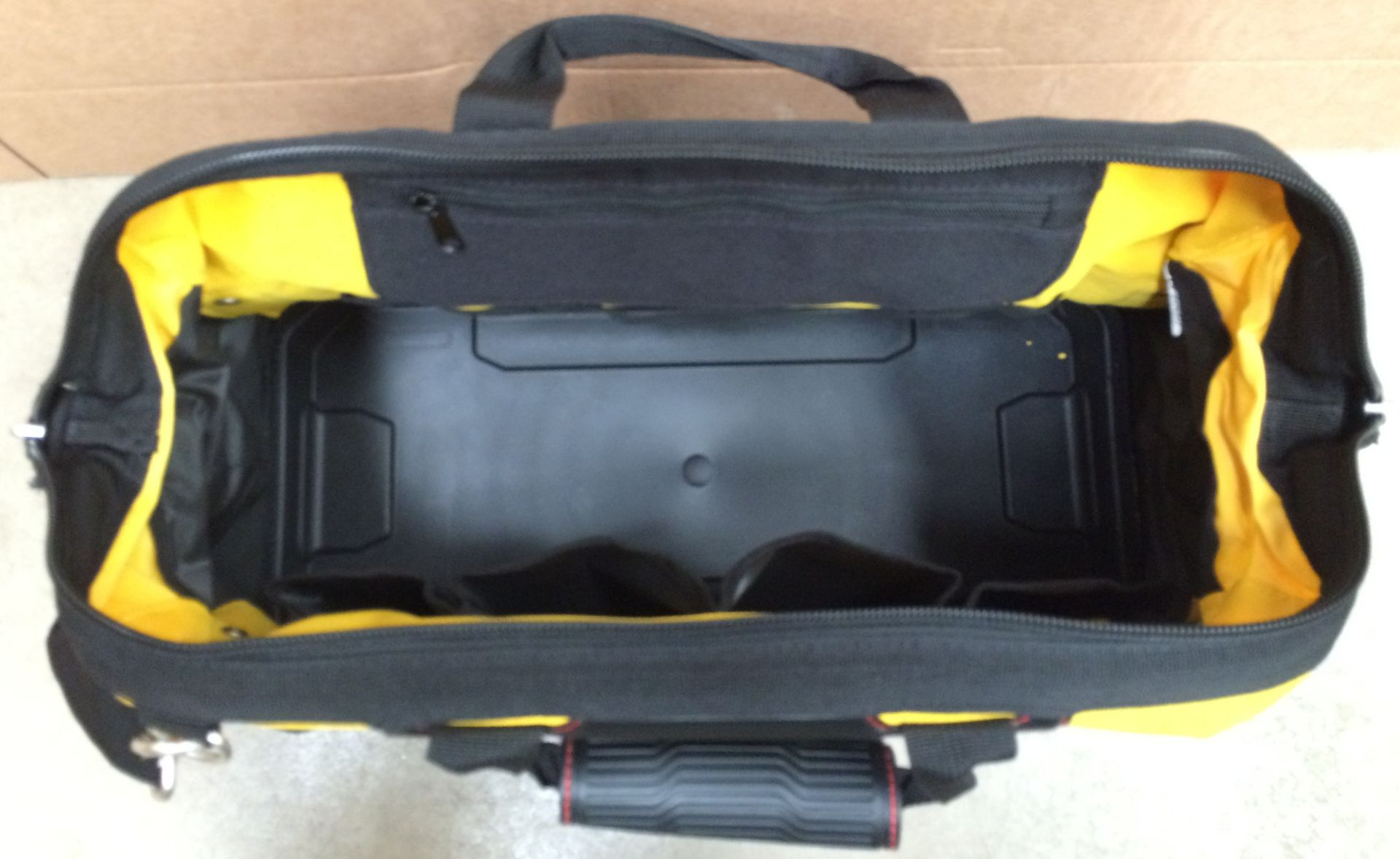 Stanley Fatmax multi section tool bag - 46 x 23 x 28cm - Image 2 of 2