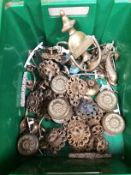 Contents to box - assorted brass vintage door knockers and assorted furniture handles