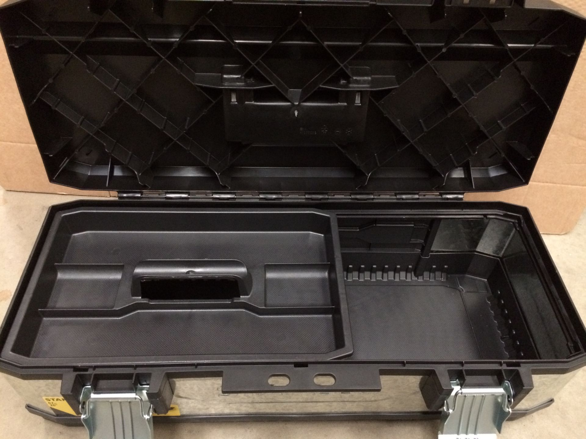 Stanley 67cm metal tool box - Image 2 of 2