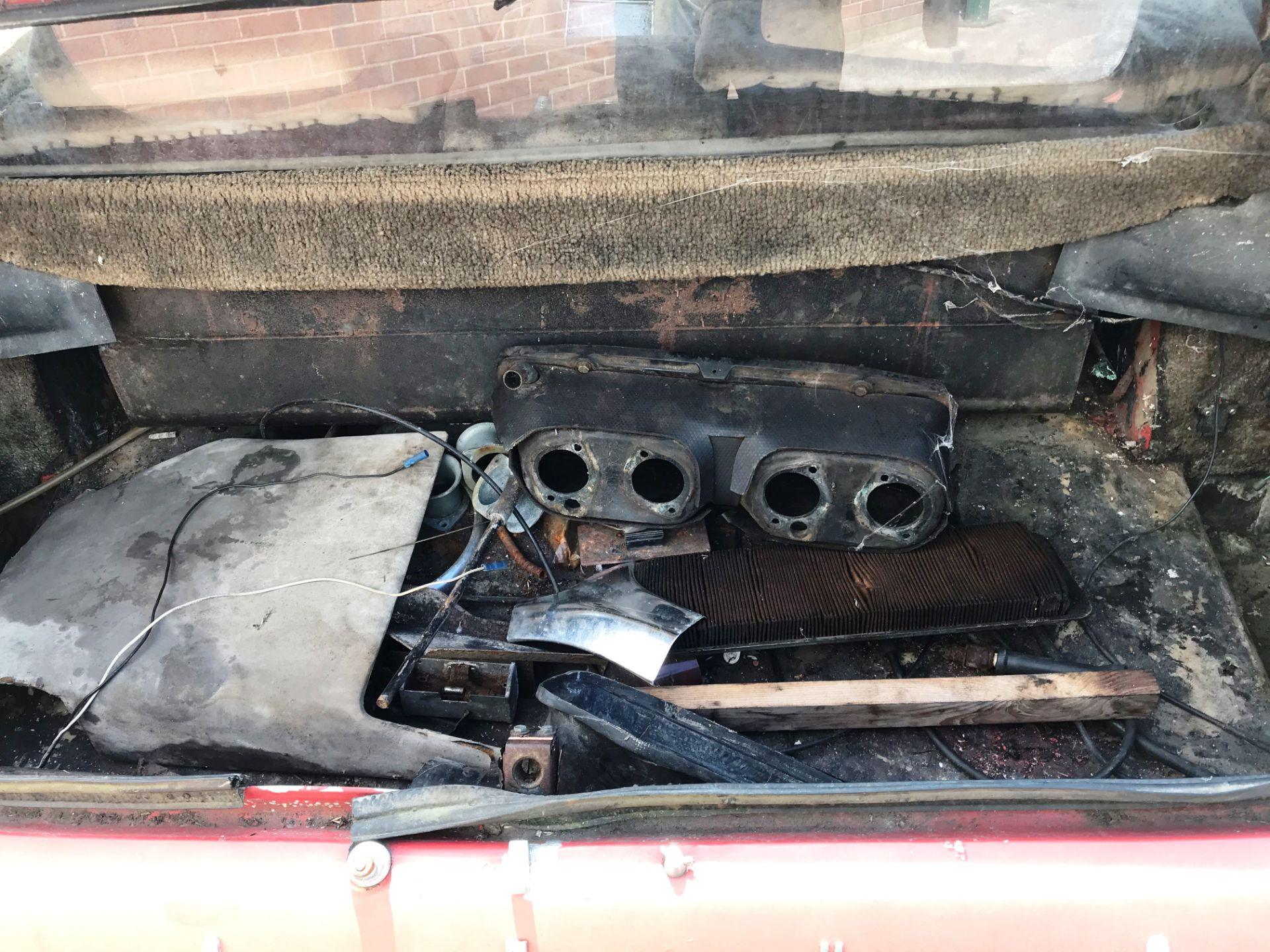 BARN FIND - IN NEED OF TOTAL RESTORATION LOTUS ELITE TWO DOOR SALOON (1973cc) - AUTOMATIC - petrol - Image 14 of 14