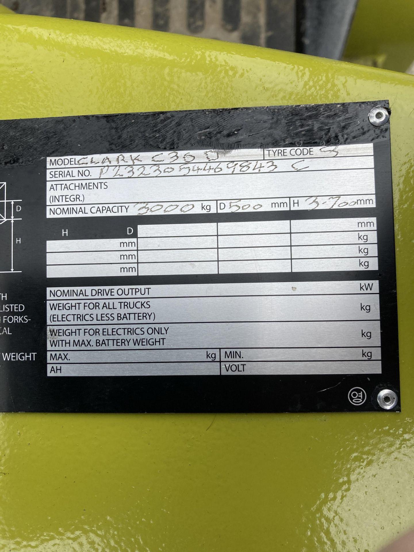CLARK C30D DIESEL 3T FORKTRUCK Lift height: 3725mm Fork length: 1500mm YOM: 2012 Serial No: - Image 4 of 5