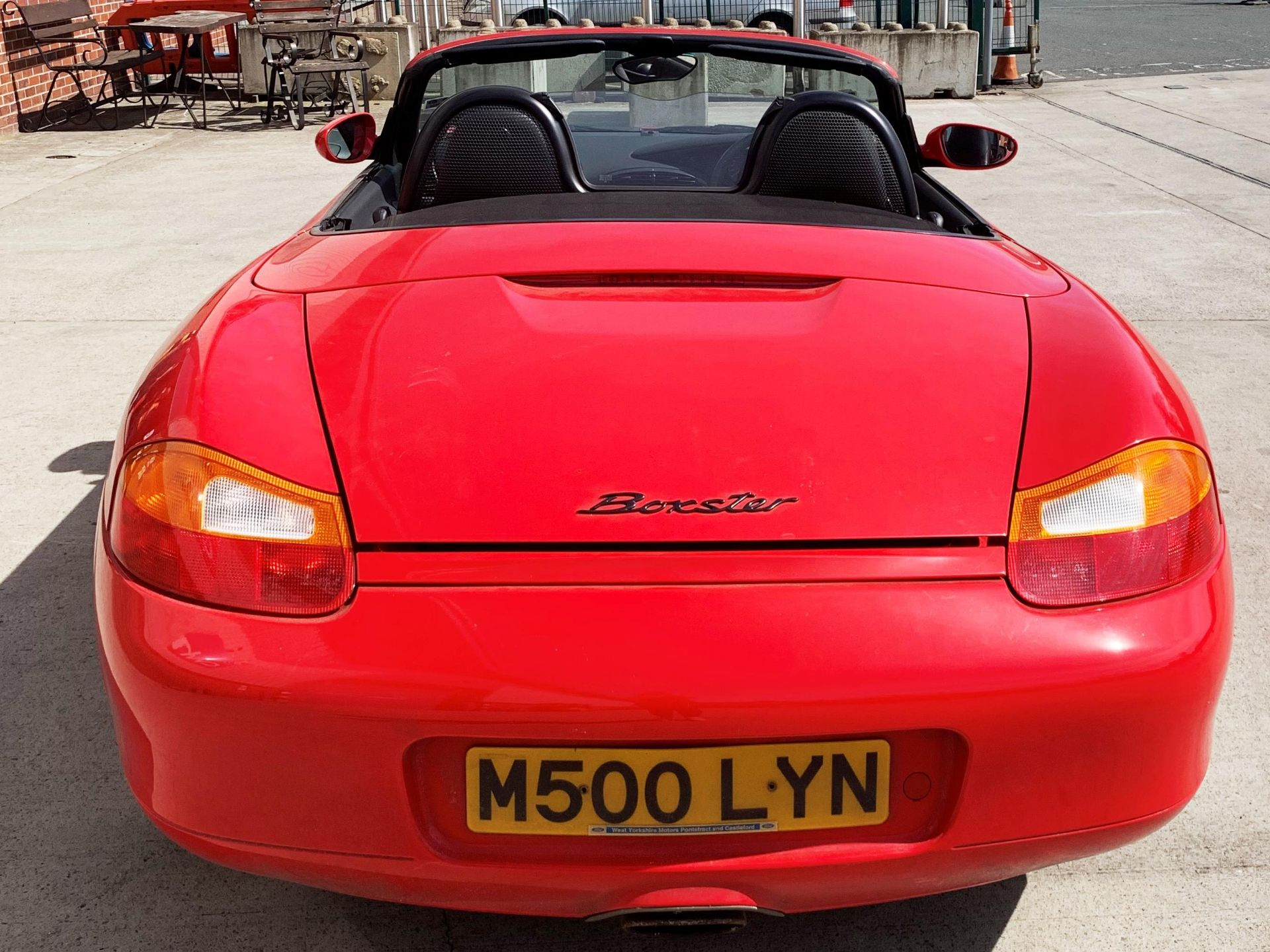From a deceased estate: PORSCHE BOXSTER 2.5 CONVERTIBLE - Image 4 of 25