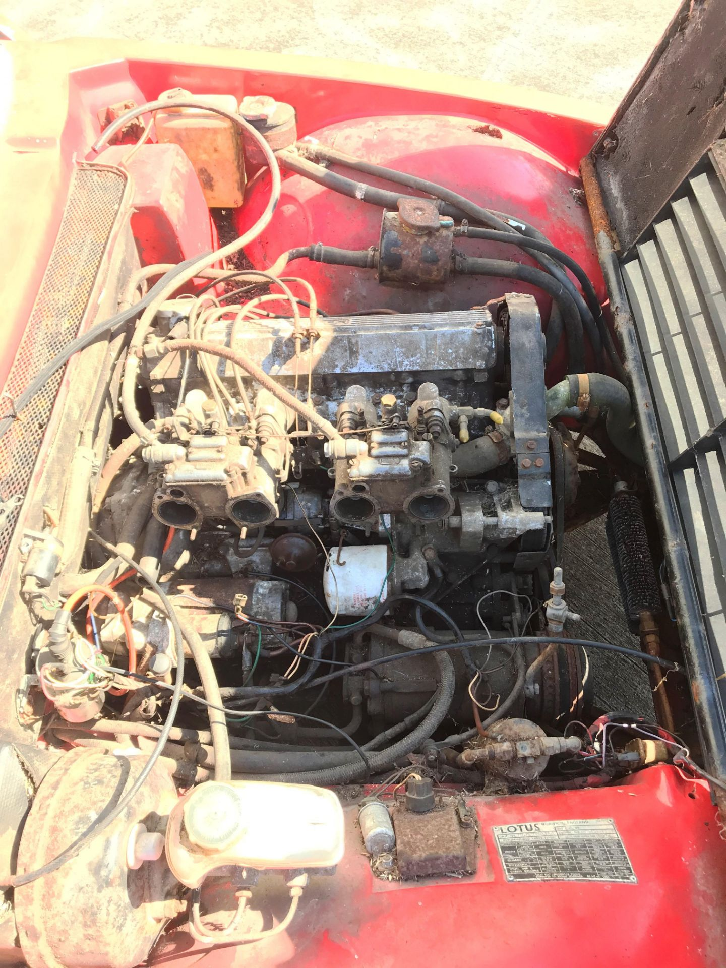 BARN FIND - IN NEED OF TOTAL RESTORATION LOTUS ELITE TWO DOOR SALOON (1973cc) - AUTOMATIC - petrol - Image 5 of 14