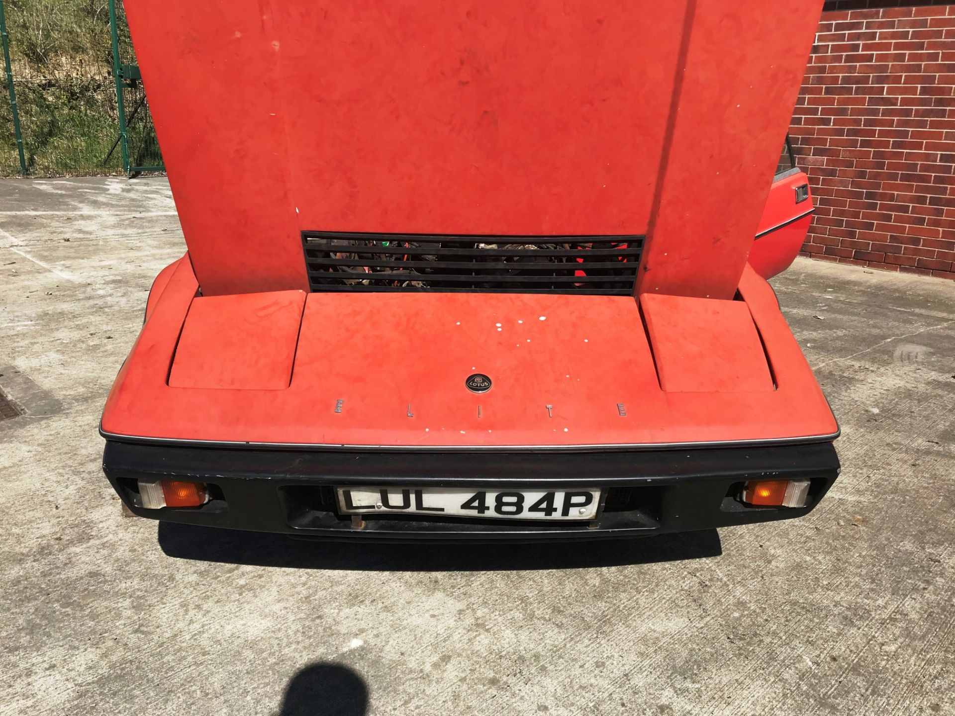 BARN FIND - IN NEED OF TOTAL RESTORATION LOTUS ELITE TWO DOOR SALOON (1973cc) - AUTOMATIC - petrol - Image 3 of 14