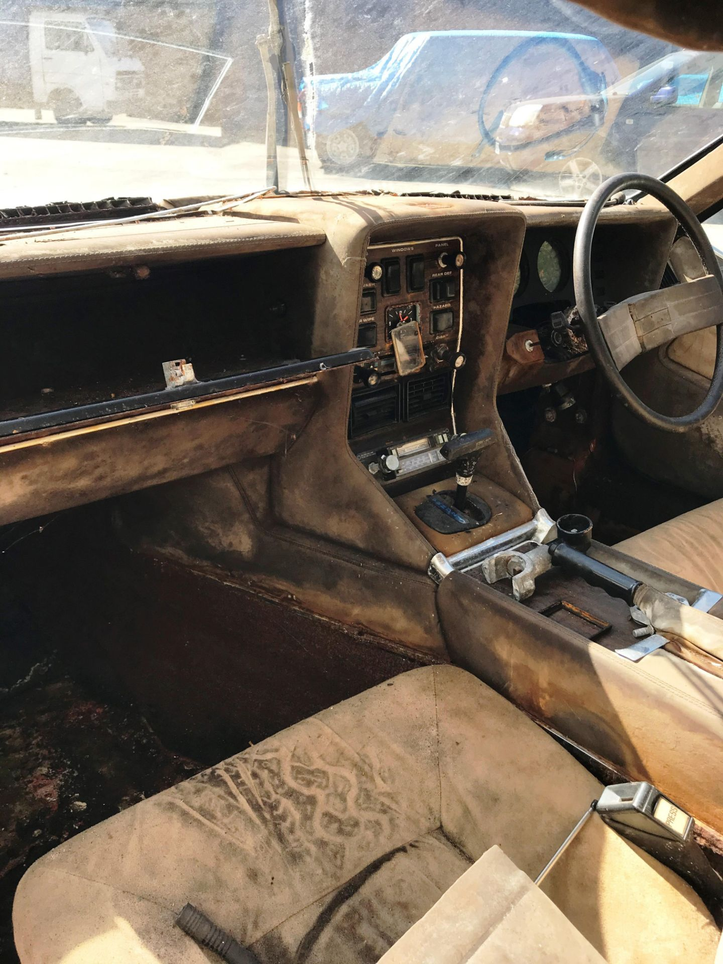BARN FIND - IN NEED OF TOTAL RESTORATION LOTUS ELITE TWO DOOR SALOON (1973cc) - AUTOMATIC - petrol - Image 9 of 14