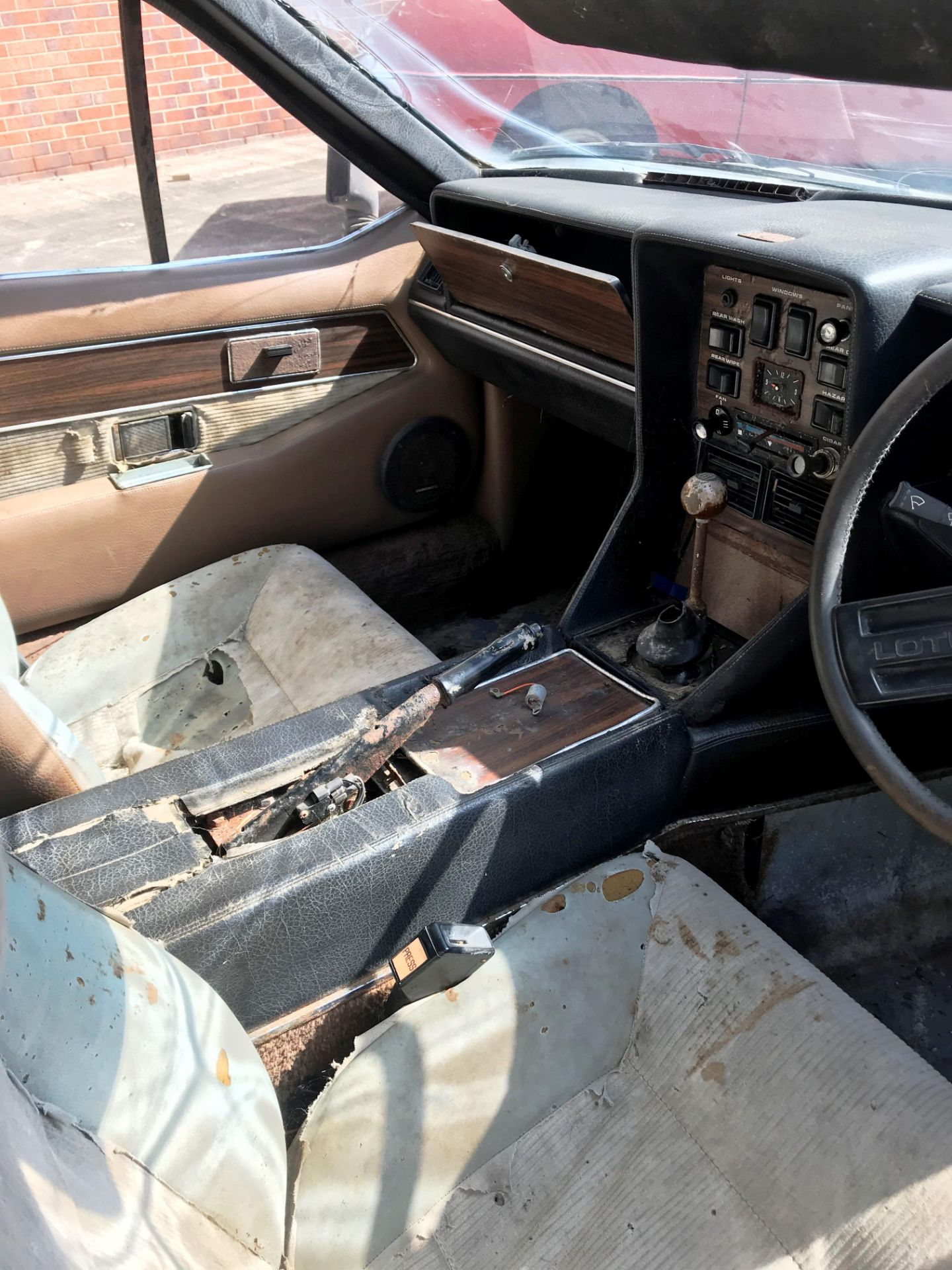 BARN FIND - IN NEED OF TOTAL RESTORATION AND FROM THE SAME BARN AS LOT 7 LOTUS ELITE TWO DOOR - Image 9 of 13