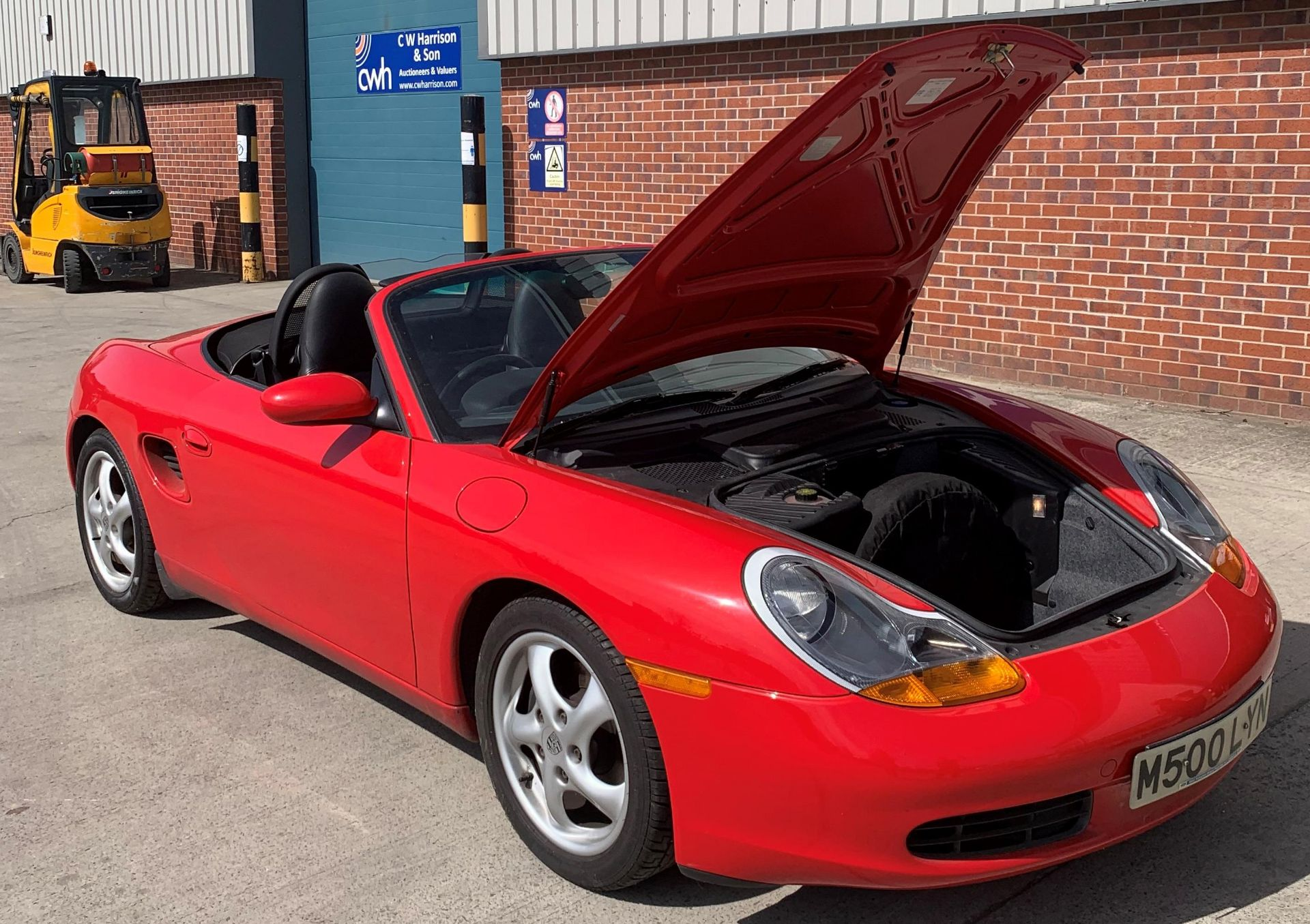 From a deceased estate: PORSCHE BOXSTER 2.5 CONVERTIBLE - Image 10 of 25