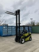 CLARK C30D DIESEL 3T FORKTRUCK Lift height: 3725mm Fork length: 1500mm YOM: 2012 Serial No: