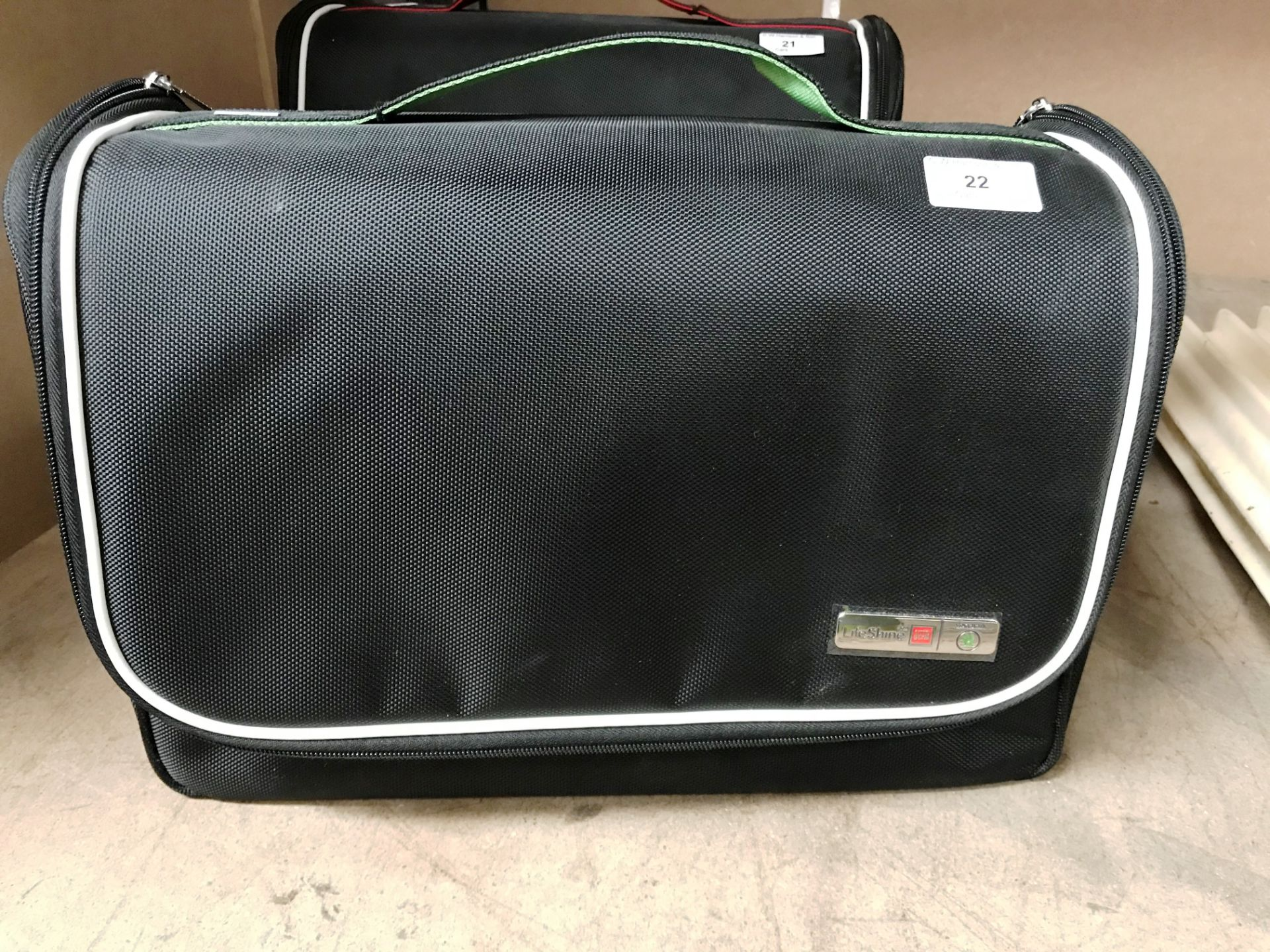 An Auto Glym Skoda Lifeshine Aftercare Collection car valeting bag and contents - 500ml Interior - Image 2 of 2