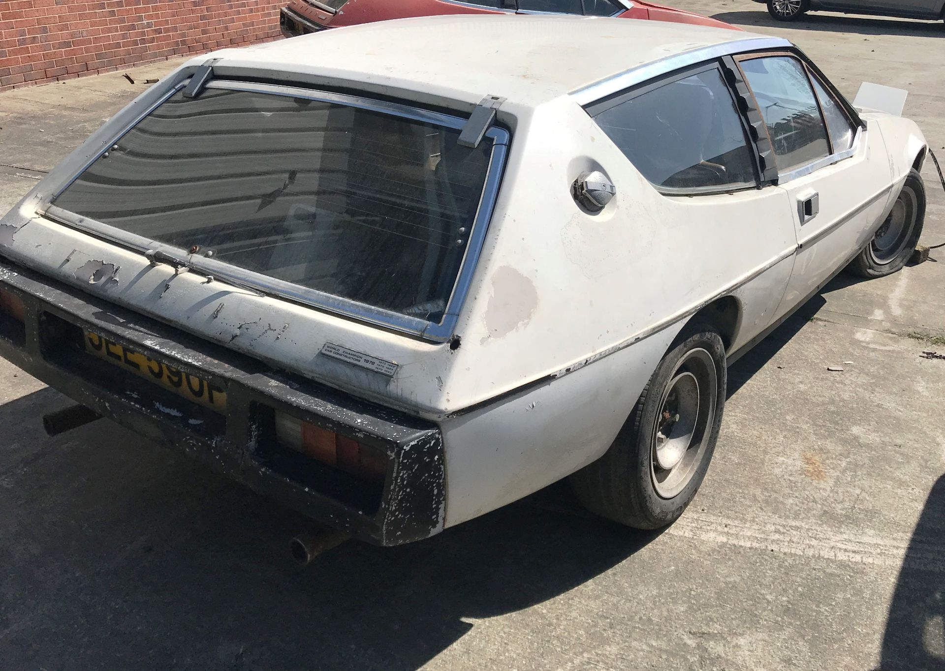 BARN FIND - IN NEED OF TOTAL RESTORATION AND FROM THE SAME BARN AS LOT 7 LOTUS ELITE TWO DOOR - Image 4 of 13