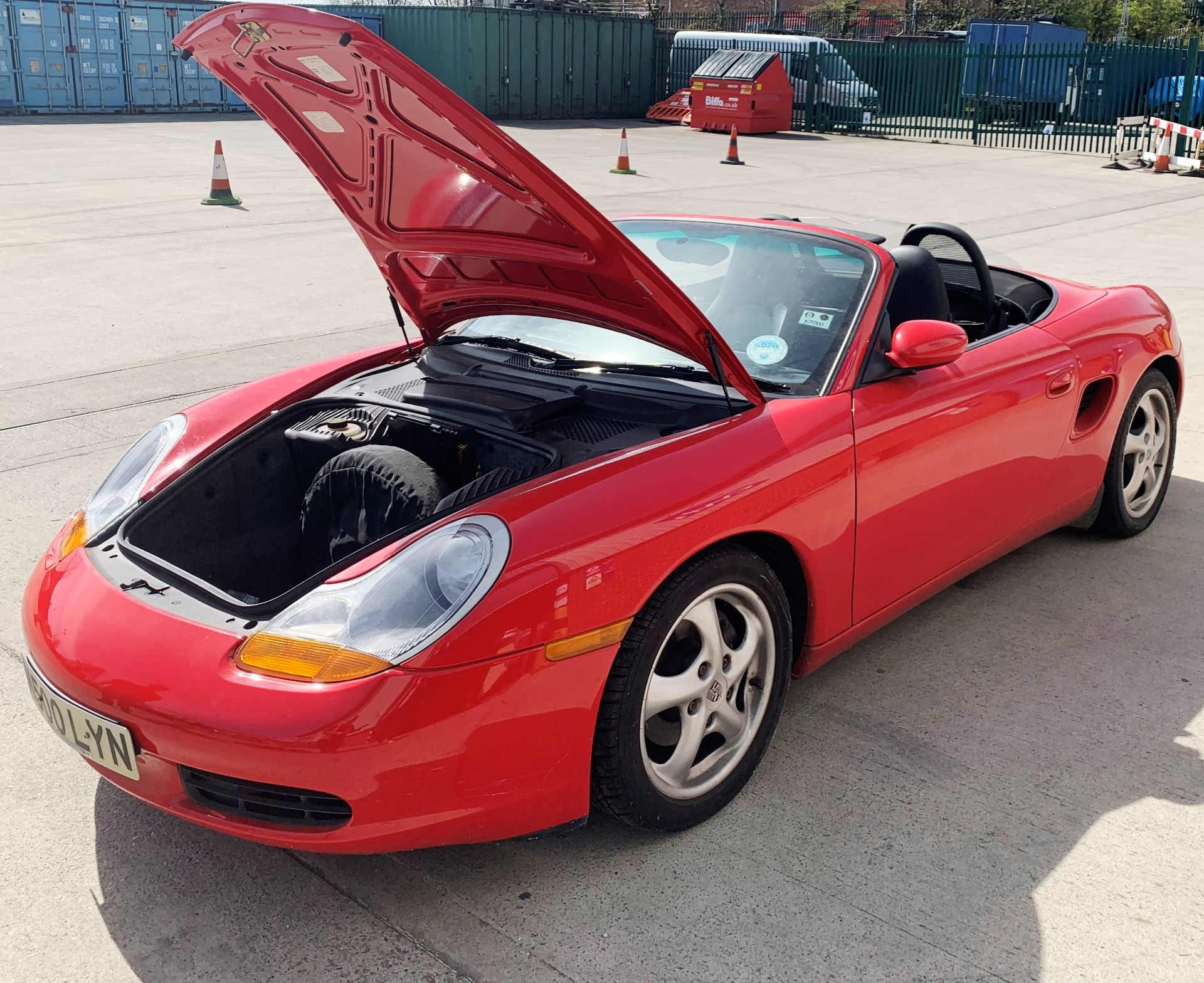 From a deceased estate: PORSCHE BOXSTER 2.5 CONVERTIBLE - Image 11 of 25