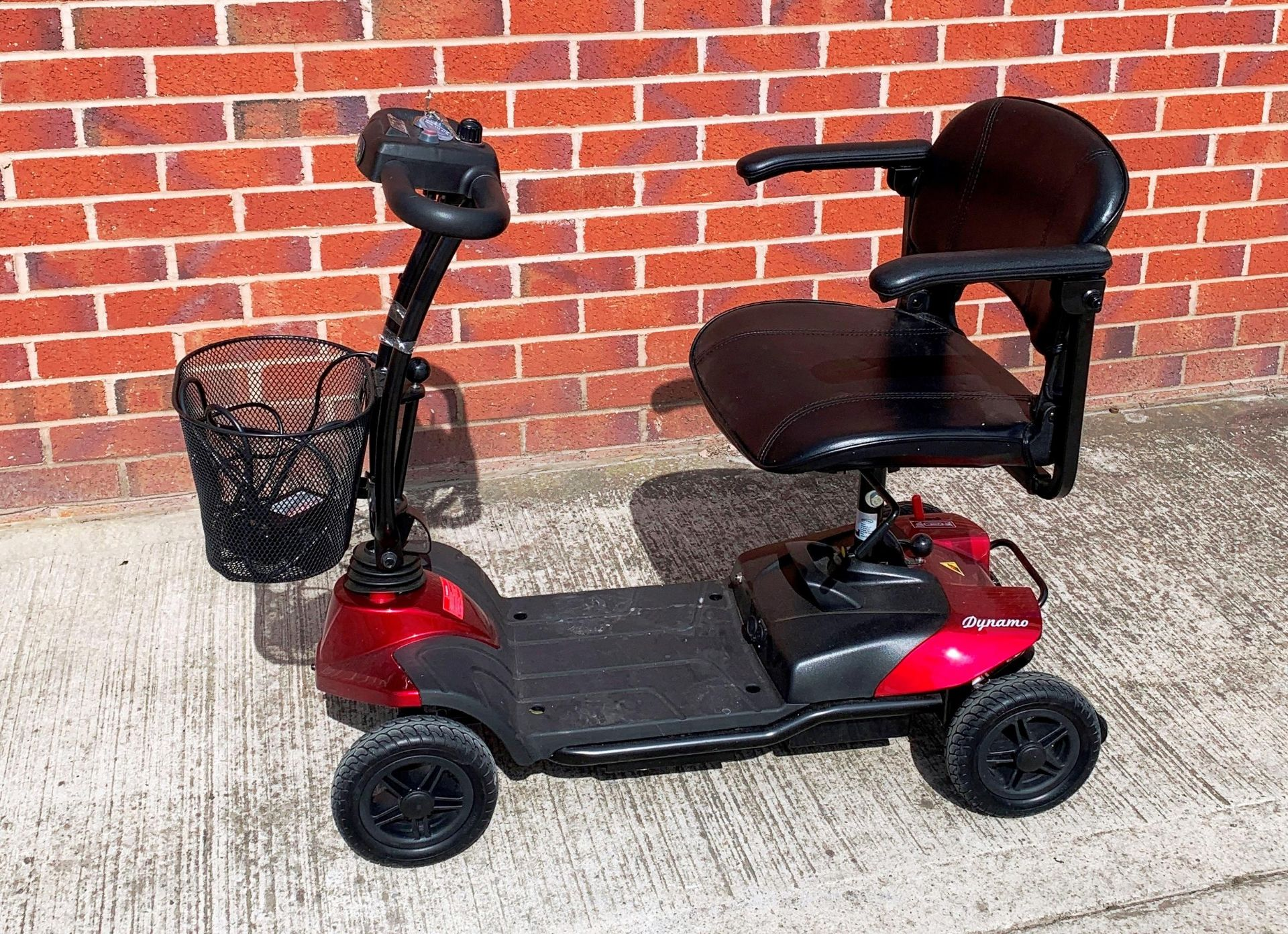 A CTM Dynamo 4 wheel mobility scooter - max weight 115 kg, S/N 18AHC6315 - date of manufacture 02.