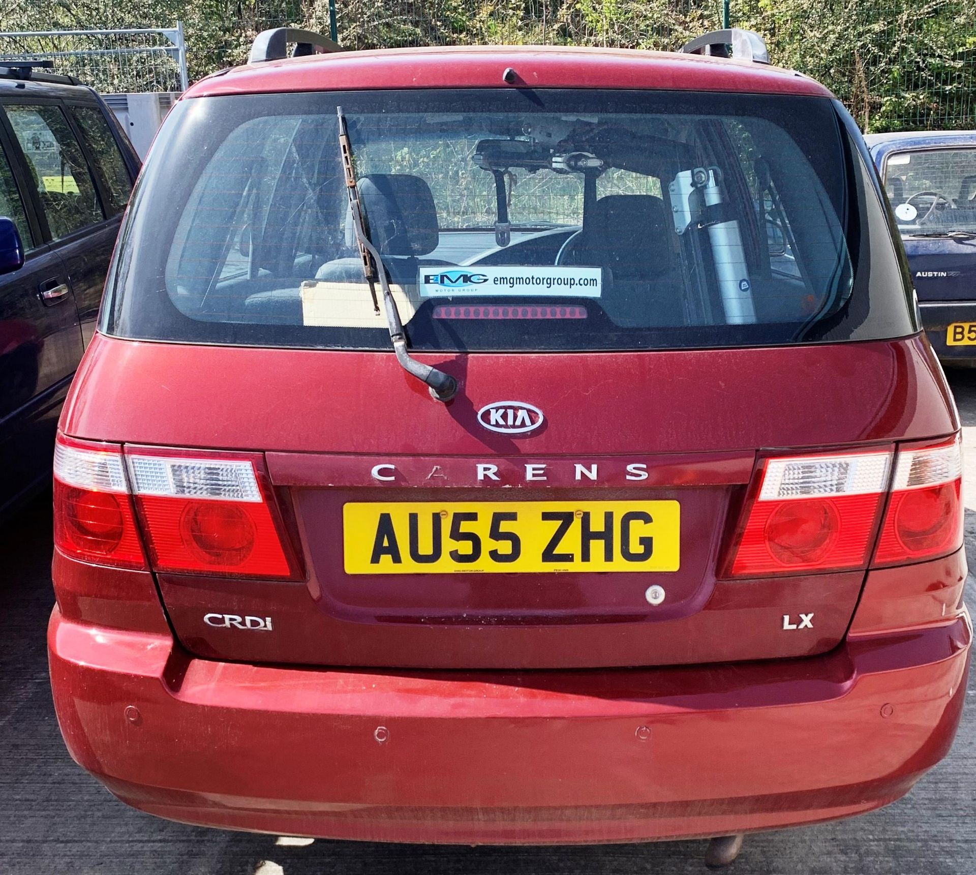 From a deceased estate. KIA CARENS CRDI 2. - Image 4 of 5