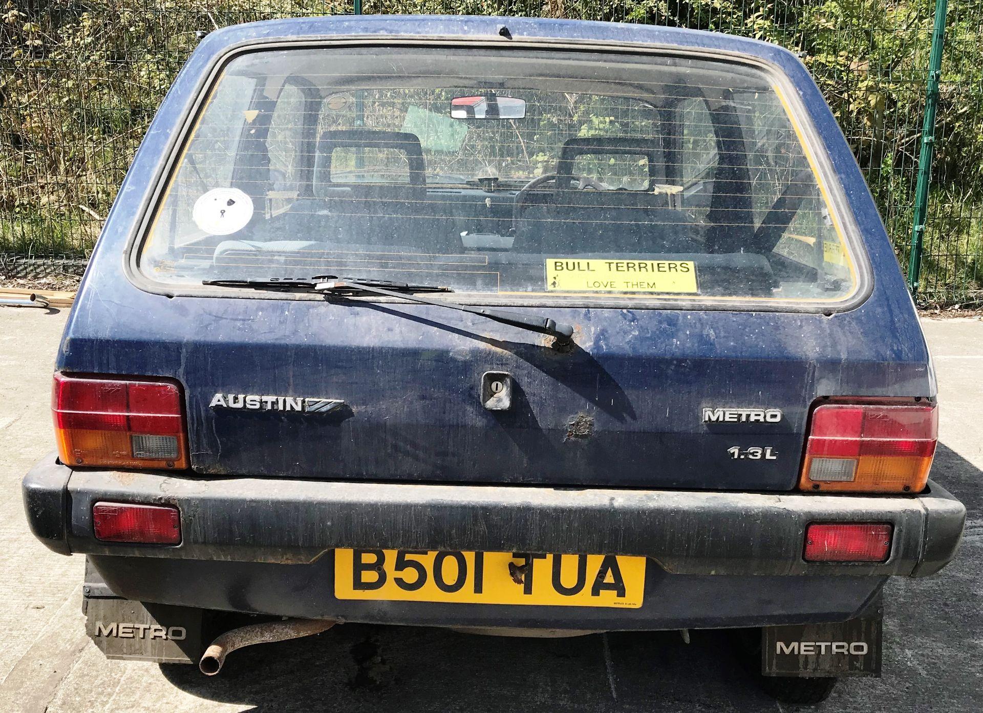 GARAGE FIND - IN NEED OF FULL RESTORATION AUSTIN METRO 1300L 3 DOOR HATCHBACK - petrol - blue - Image 5 of 11
