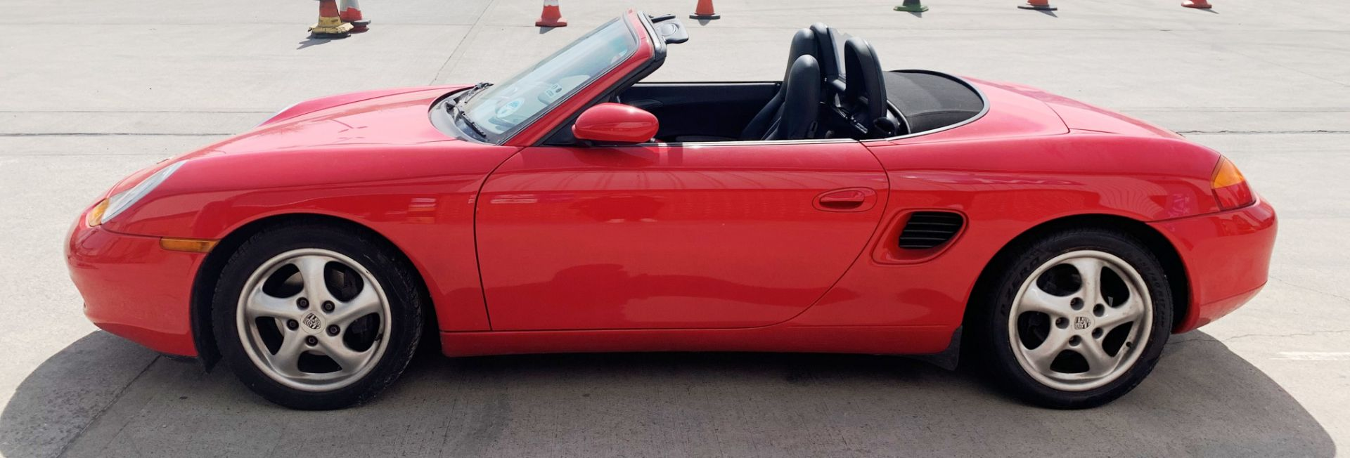 From a deceased estate: PORSCHE BOXSTER 2.5 CONVERTIBLE - Image 3 of 25