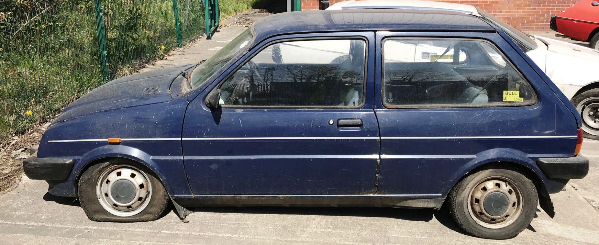 GARAGE FIND - IN NEED OF FULL RESTORATION AUSTIN METRO 1300L 3 DOOR HATCHBACK - petrol - blue - Image 2 of 11