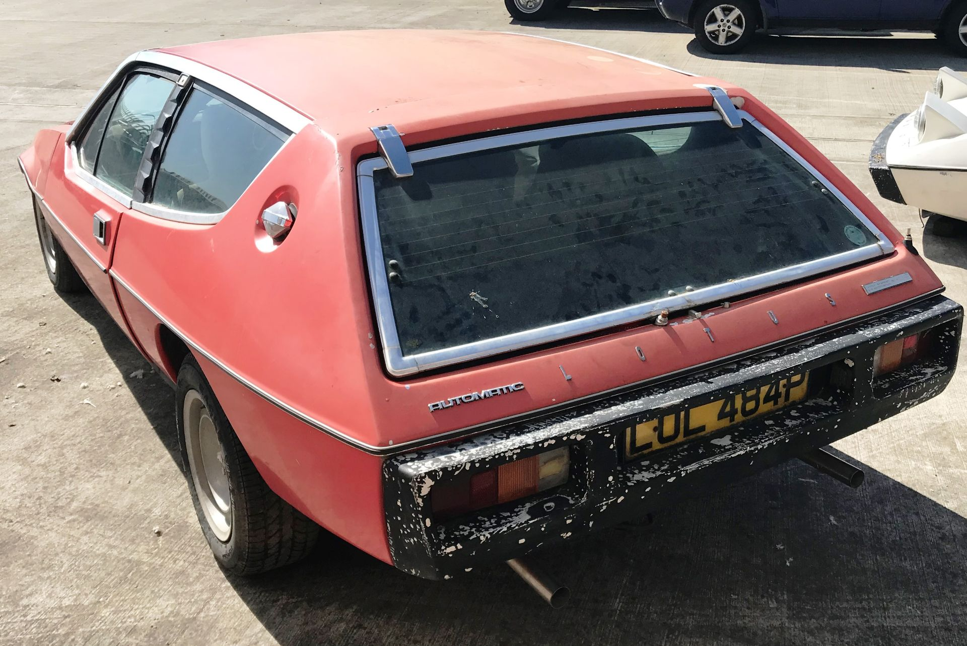 BARN FIND - IN NEED OF TOTAL RESTORATION LOTUS ELITE TWO DOOR SALOON (1973cc) - AUTOMATIC - petrol - Image 11 of 14
