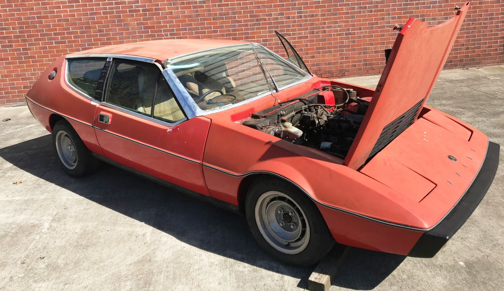 BARN FIND - IN NEED OF TOTAL RESTORATION LOTUS ELITE TWO DOOR SALOON (1973cc) - AUTOMATIC - petrol - Image 2 of 14