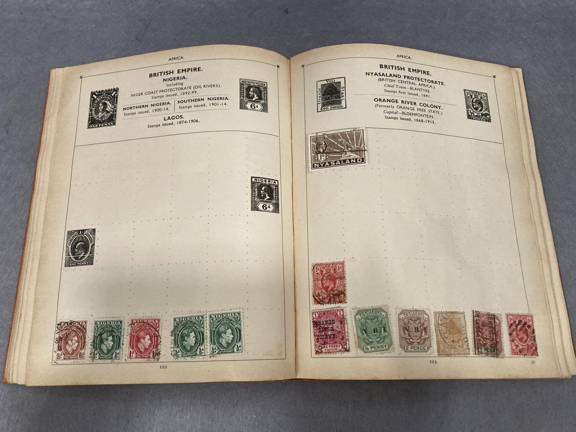 Contents to tray two small stamp albums - Comet and The Jubilee a large quantity of loose used - Image 4 of 4