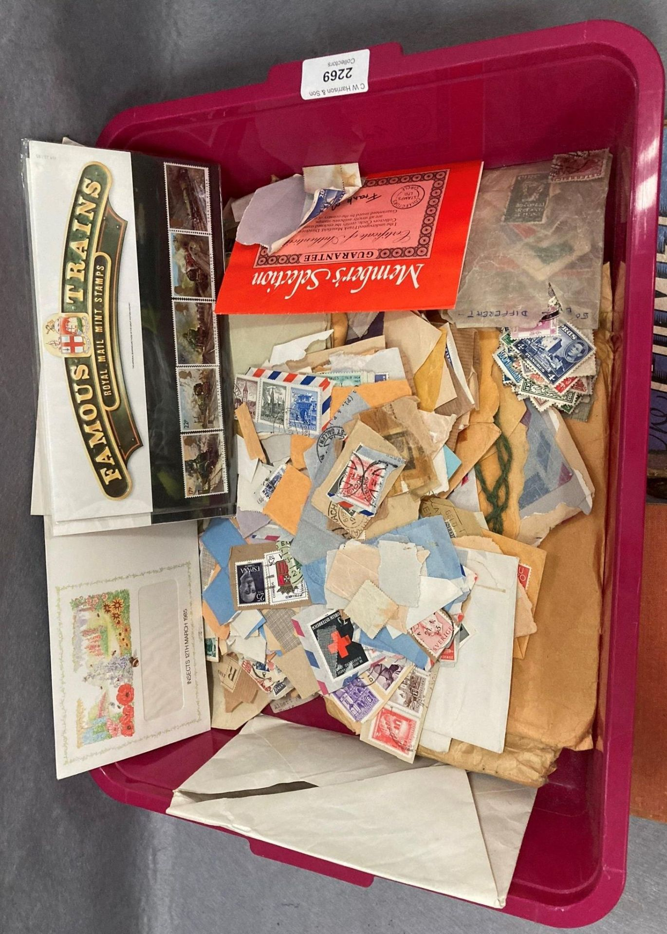 Contents to tray two small stamp albums - Comet and The Jubilee a large quantity of loose used - Image 2 of 4